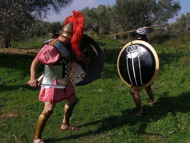 Αποτέλεσμα εικόνας για Η χρήση δόρατος και ξίφους από τους Αρχαίους Έλληνες
