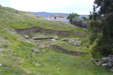 Ancient_theatre_Focaea